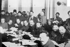 Presidium_of_the_9th_Congress_of_the_Russian_Communist_Party_(Bolsheviks)